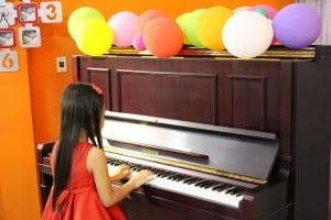 day-dan-piano-cho-tre-em10