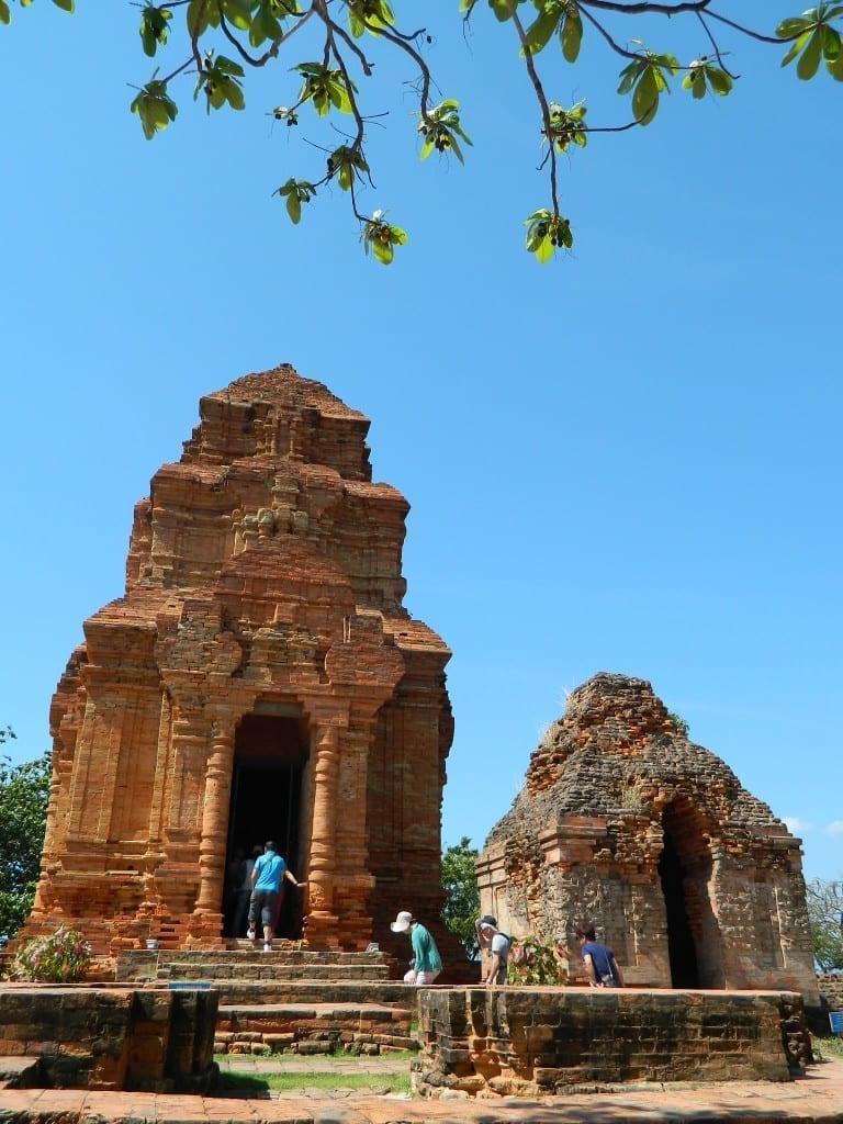 Tháp Chàm Phan Rang - Tan Yolo