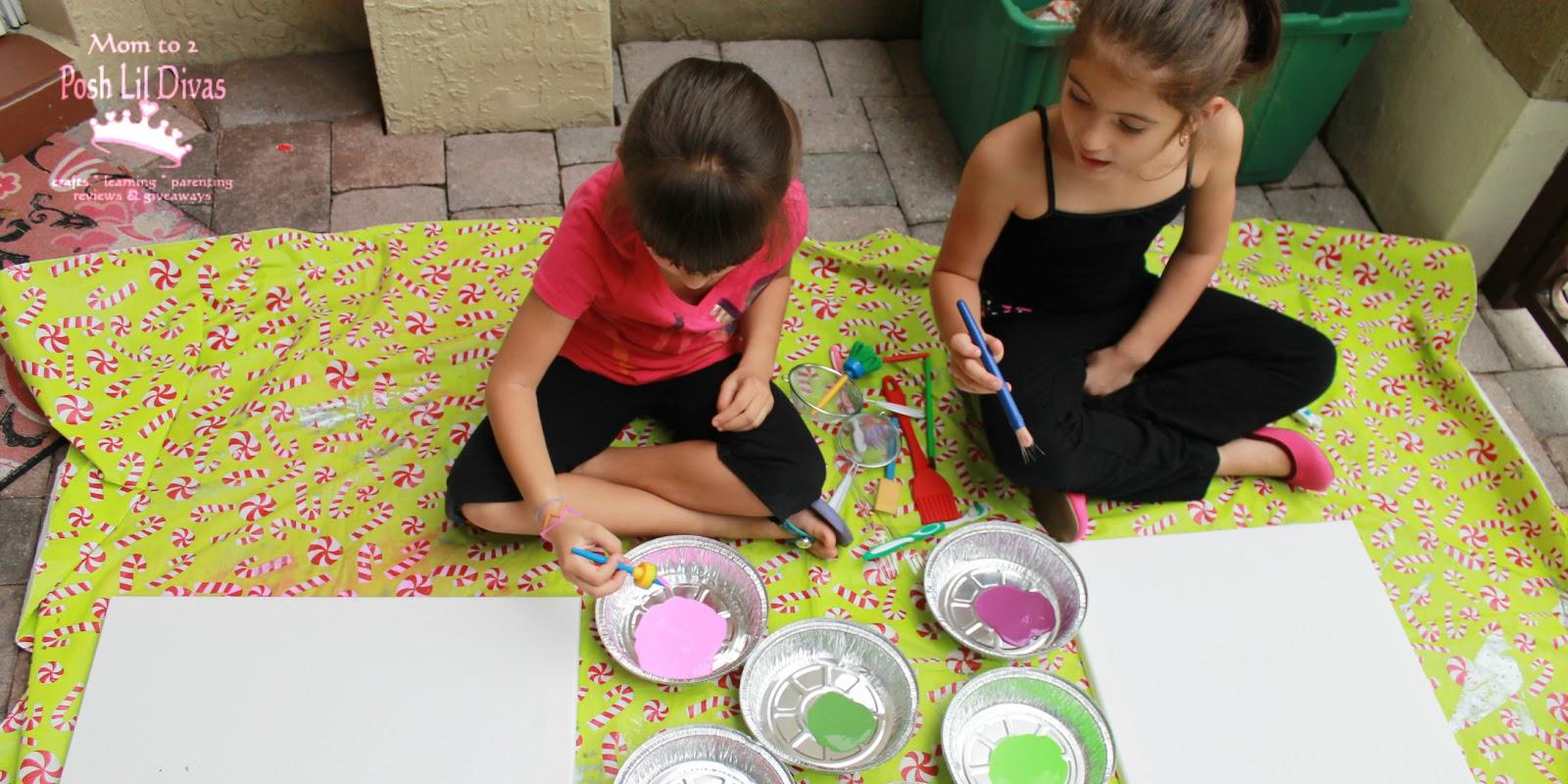 bé học vẽ màu nước