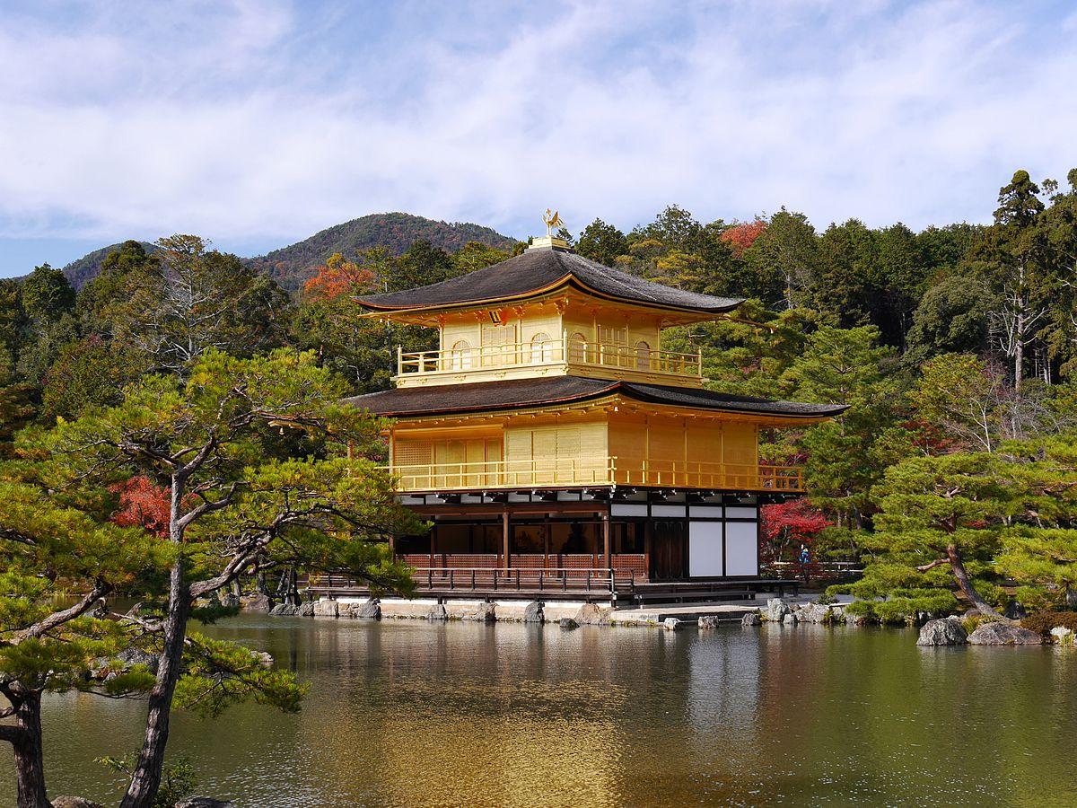 Golden-Pavilion-du-lich-nhat-ban-tu-tuc