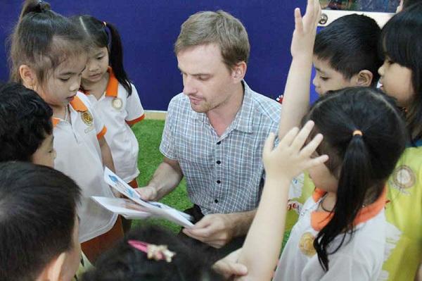 Chọn trường dân lập mầm non quốc tế