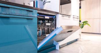 Tác dụng của máy chén âm tủ có lợi ích gì